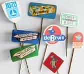 8 vintage Dutch pin badges food advertising Bruin Jozo Schrieks Koek Luteijn P