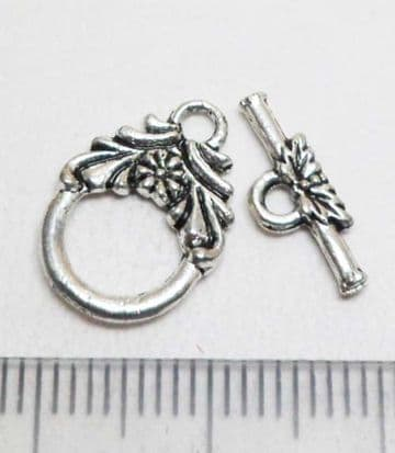 Flower toggle small. 11mm. Pack of 10.