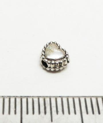 Heart spacer beads x 40. 5mm silver.