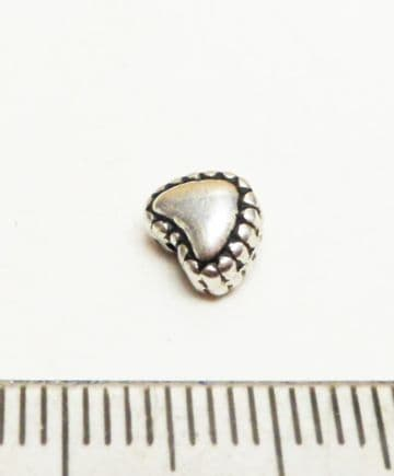 Heart spacer beads x 40. 6mm
