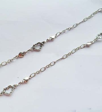 Hearts & thin bar fine chain. 1m unfinished length