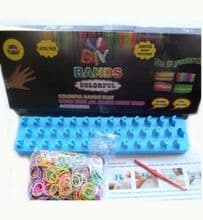 Loom band kit with rainbow bands, hook & clips.