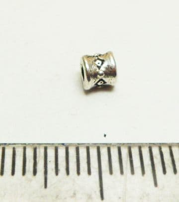 Mini tube spacer beads x 80. Silver. 3.5mm x 2.5mm.
