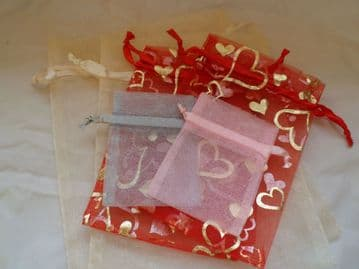 Pack of 6 Organza Bags (Pack 3). Various sizes & colours.