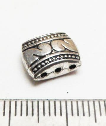 Three hole oval spacer x 8. 11mm x 7mm. Silver