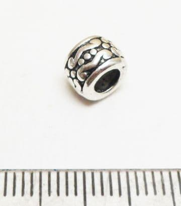 Tibetan Style Silver blossom spacer bead x10. 6mm.