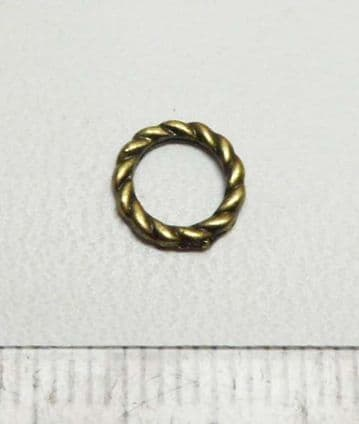 Twisted Ring 8mm. Antique bronze x 35
