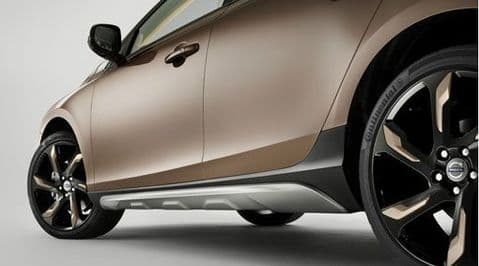 V40 Cross Country Side Scuff Plates